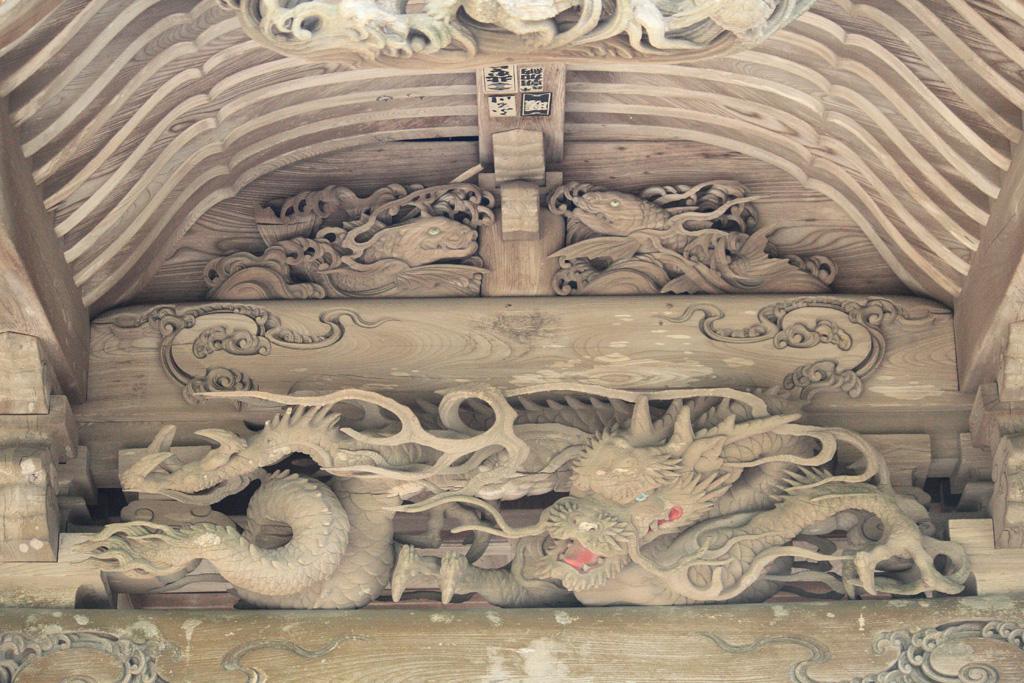 向拝の彫刻