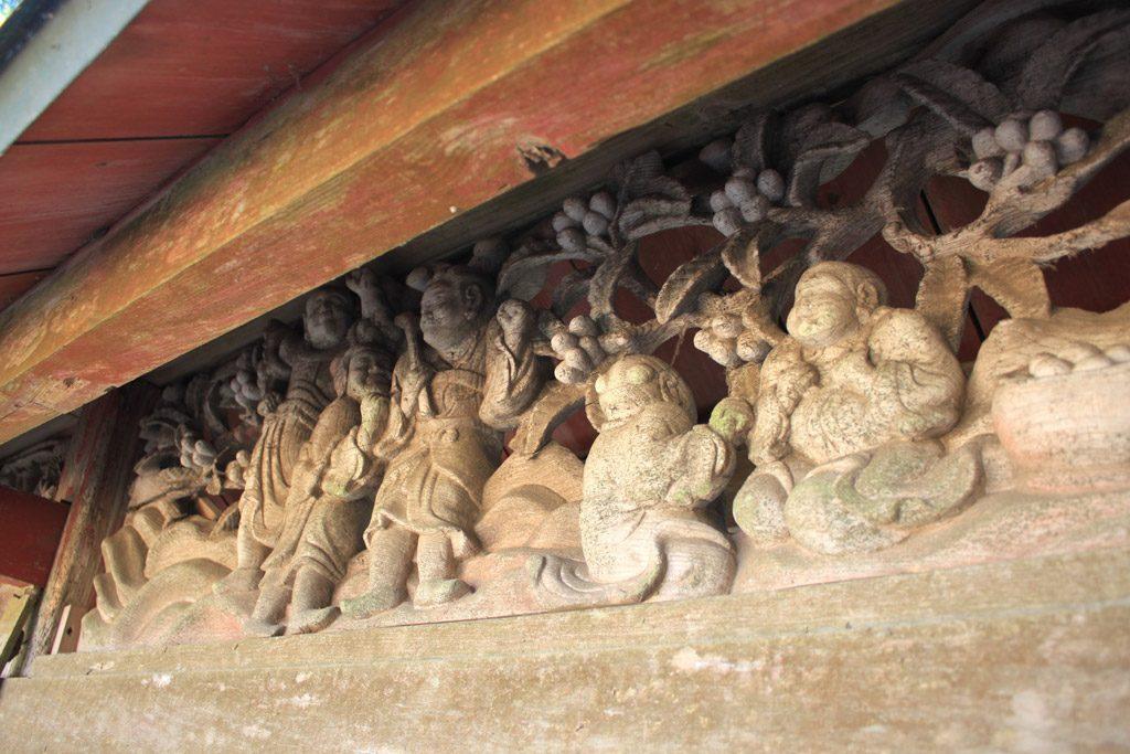 瑞垣の彫刻